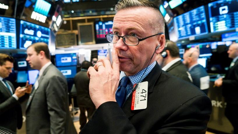 Bolsa de Nova Iorque segue em queda no início da sessão
