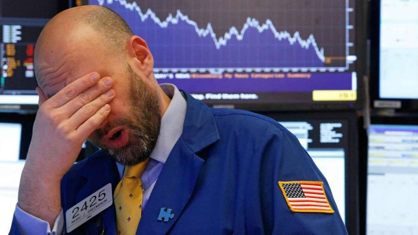 "Cinco factores que explicam o ""sell-off"" dos mercados"