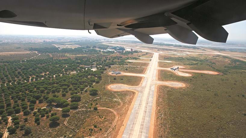 "Aeroporto do Montijo em ""stand by"""